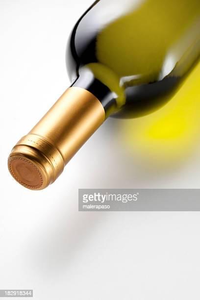 garrafa de vinho branco - chardonnay grape - fotografias e filmes do acervo
