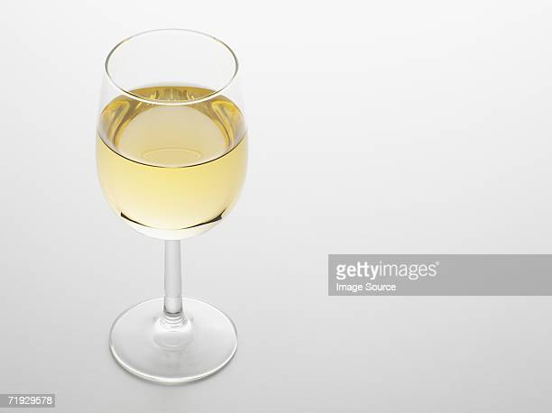 white wine - white wine stock pictures, royalty-free photos & images