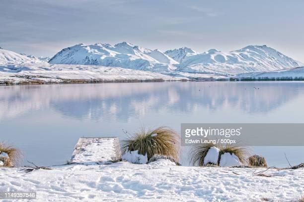 white with snow - tékapo fotografías e imágenes de stock