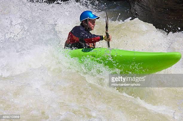 whitewater piragüista - río swift fotografías e imágenes de stock