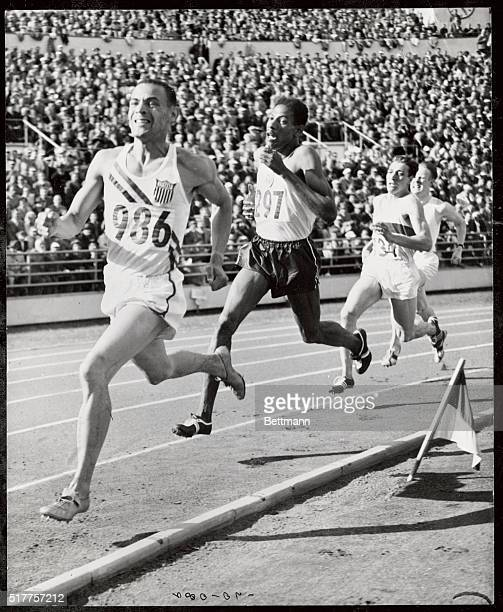 MG Whitfield leads AS Wint in the last 100 yards dash to win the 800 meters Final at the Olympic stad Helsinki