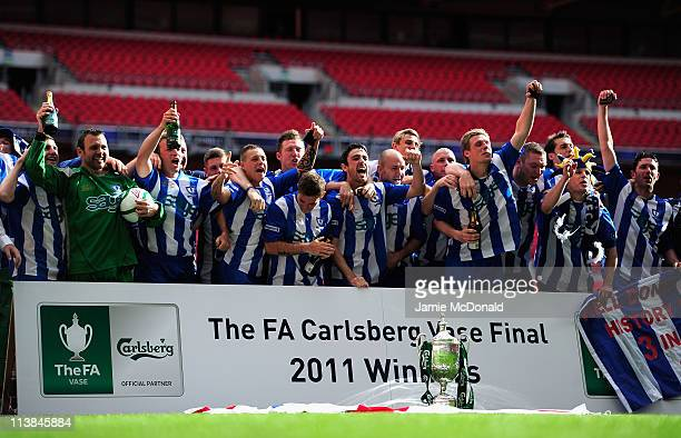 Whitley Bay players celebrate winning the FA Carsberg Vase during the FA Carlsberg Vase Final between Coalville Town and Whitley Bay at Wembley...