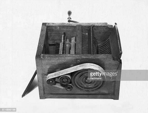 Whitney cotton gin model Constructed by Eli Whitney before 1800 Now in US National Museum Photograph BPA2# 4964