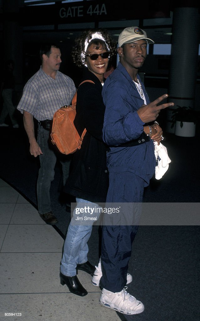 Whitney Houston and Bobby Brown Depart from LAX for New York City - October 6, 1996 : News Photo