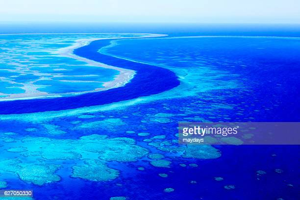 whitsunday islands, australia - great barrier reef aerial stock pictures, royalty-free photos & images