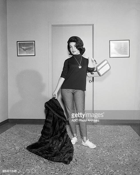 S LAW Who Killed the Kind Doctor 11/29/63 Annette Funicello