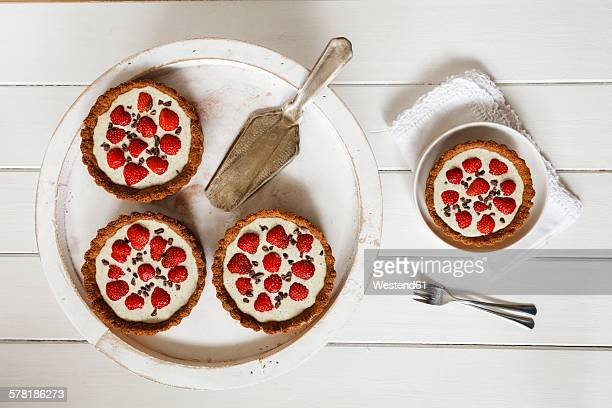 Whole meal strawberry pies with white chocolate hemp sauce