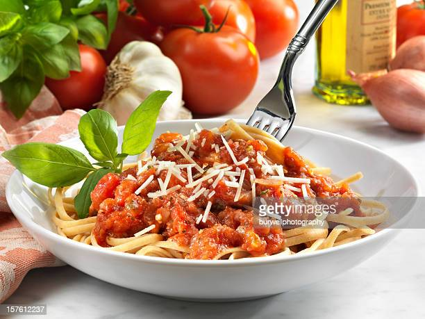 Whole Wheat Linguini with Tomato Sauce, Vegetarian