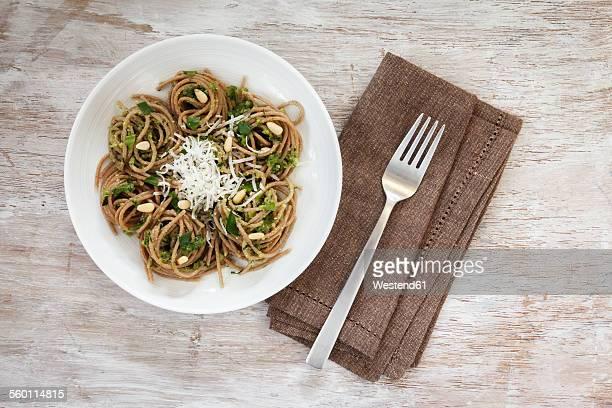 Whole-grain spelt spaghetti with ramson pesto