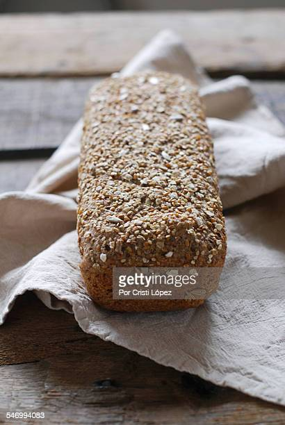 Wholemeal bread with seeds and oat flakes