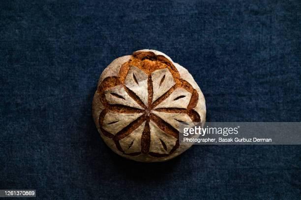 wholemeal / rye sourdough bread - pane integrale foto e immagini stock