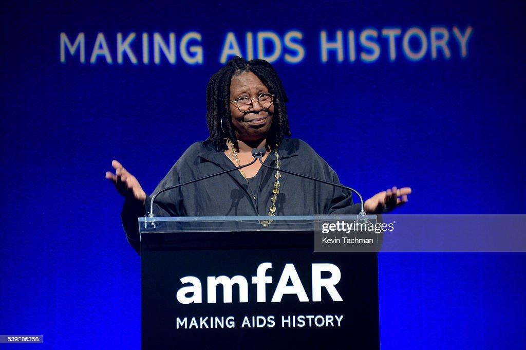 7th Annual amfAR Inspiration Gala New York - Show : News Photo