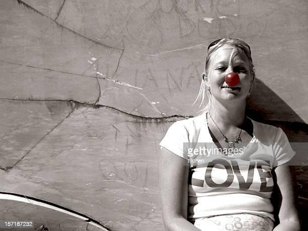 que ´ s in love? - nariz de payaso fotografías e imágenes de stock