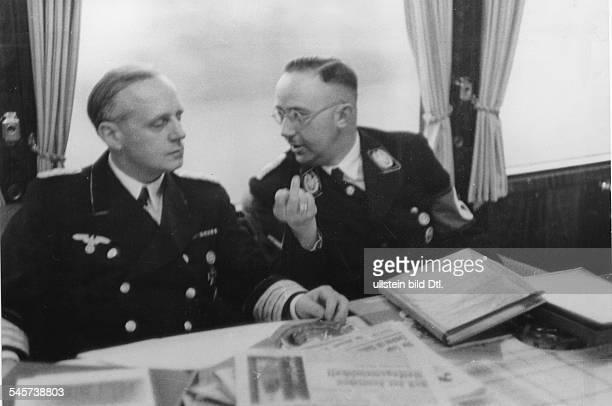 Während der Fahrt im SonderzugReichsführer SS Heinrich Himmler im Gespräch mit ReichsaussenministerJoachim v Ribbentrop