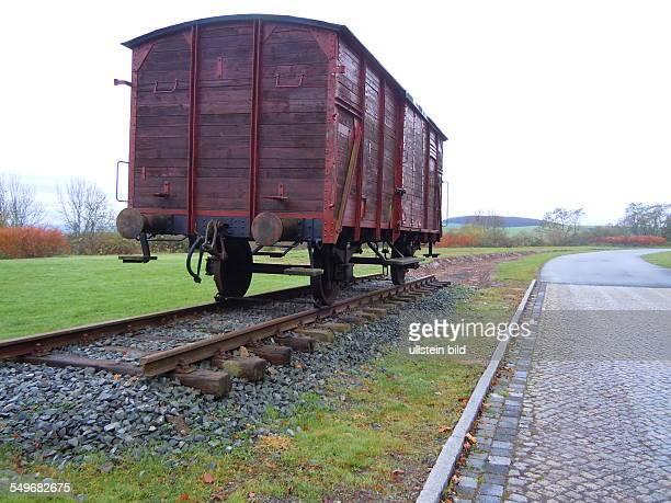 Während der NSZeit mussten Häftlinge aus vielen Ländern Europas im Konzentrationslager DoraMittelbau in Bergstollen des Kohnstein die Raketenwaffen...