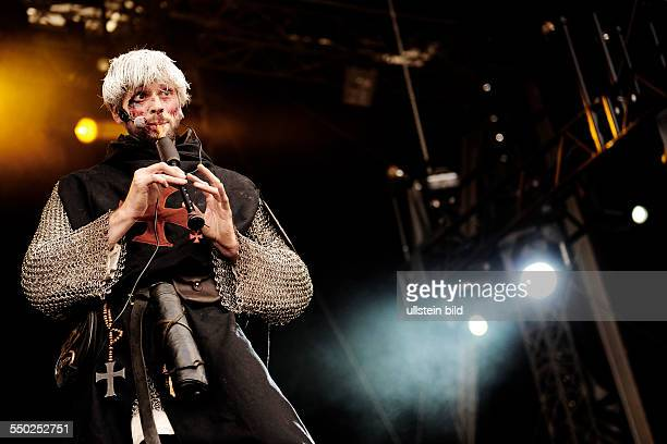 HEIMATAERDE während eines Auftritts anlässlich des Mera Luna Festivals in Hildesheim