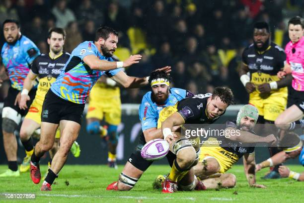 Wiaan Liebenberg of La Rochelle and Samuele Ortis of Parme during the European Challenge Cup match between La Rochelle and Zebre at Stade Marcel...