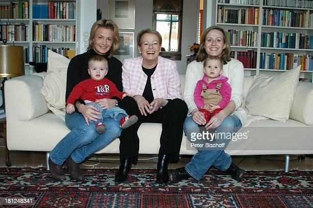 "Wibke Bruhns , Tochter Annika Bruhns-Petersson-Petersson ) mit Sohn ""Sammy"" Sam Jesper, Tochter Meike Bruhns mit Tochter Ida Luise, Homestory,..."