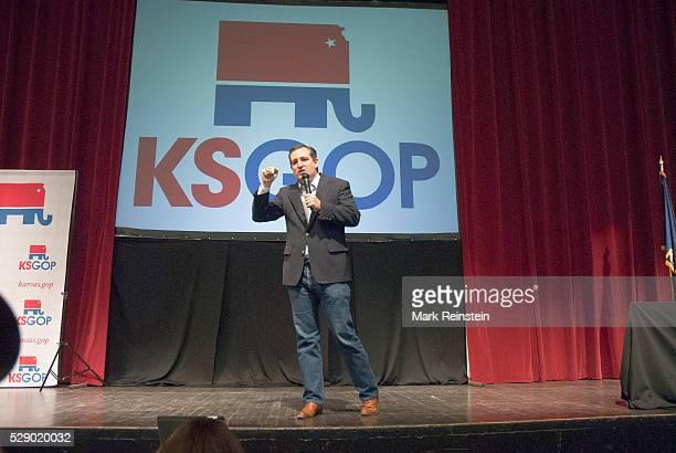 Wichita Kansas USA 5th March 2016 Presidential Candidate Senator Ted Cruz addresses the Kansas State Republican caucus today in WIchita Kansas Credit...