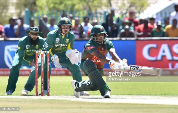 Wicket keeperMushfiqur Rahim of Bangladesh is in action during the first One Day International cricket match between South Africa and Bangladesh in...