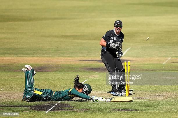 Wicketkeeper Rachel Priest of New Zealand attempts to stump Lisa Sthalekar of Australia during the Women's International Twenty20 match between the...