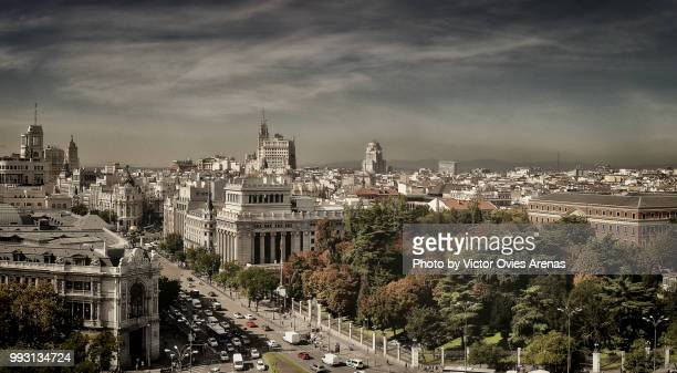 wide angle aerial panoramic view of downtown (alcala street) madrid, spain - victor ovies fotografías e imágenes de stock
