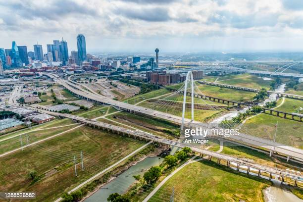 wide angle cityscape dallas texas - trinity river texas stock pictures, royalty-free photos & images