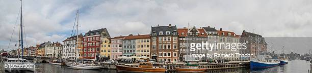 wide angle panorama view - nyhavn - nyhavn stock pictures, royalty-free photos & images