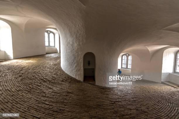 wide angle view inside the round tower in copenhagen - observatorium stock-fotos und bilder