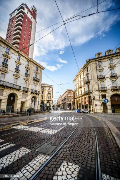 Weitwinkelaufnahme der Main Street in Turin, Italien