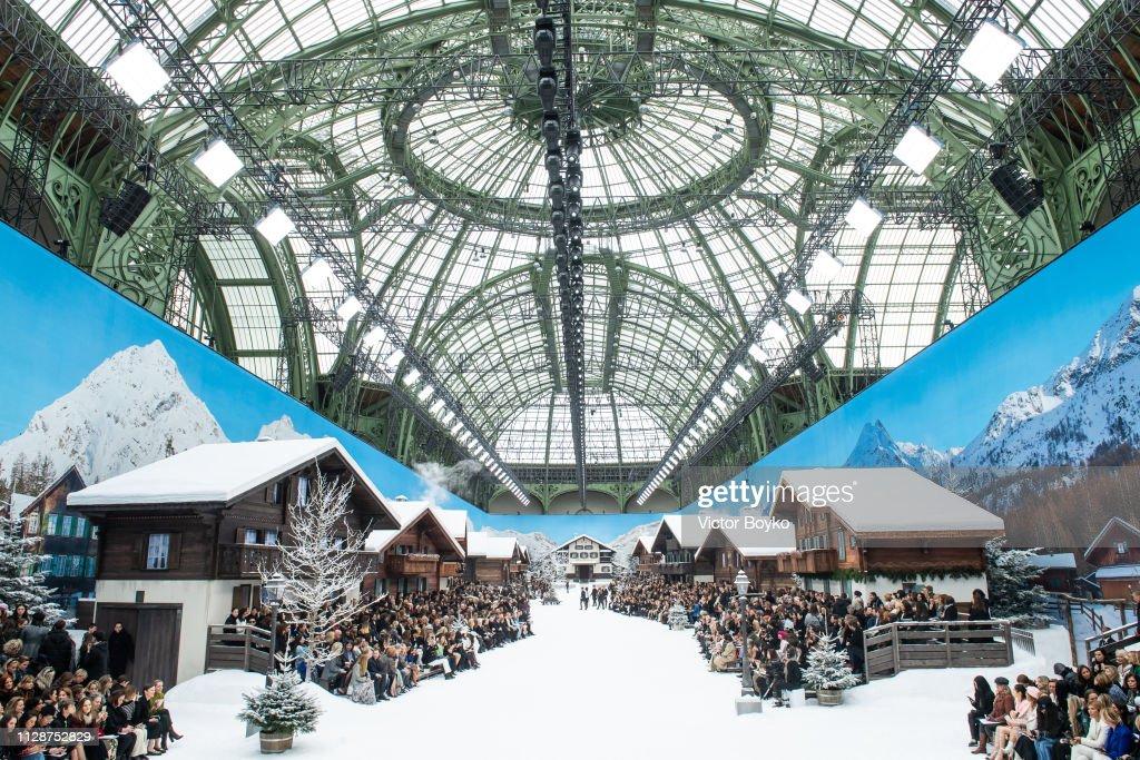 Chanel : Runway - Paris Fashion Week Womenswear Fall/Winter 2019/2020 : ニュース写真