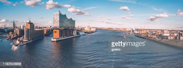 ハンブルク・ハーフェン市の広いパノラマビュー - ハンブルク ストックフォトと画像