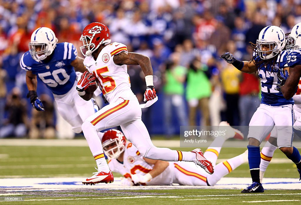 Wild Card Playoffs - Kansas City Chiefs v Indianapolis Colts : News Photo