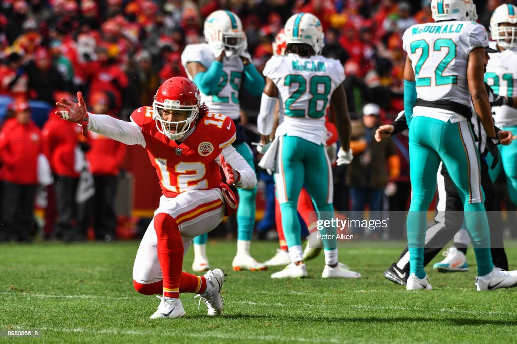 Wide receiver Albert Wilson #12 of the Kansas City Chiefs signals a first down during the first quarter of the game against the Miami Dolphins at Arrowhead Stadium on December 24, 2017 in Kansas City, Missouri.