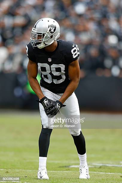 Wide receiver Amari Cooper of the Oakland Raiders lines up for a play against the Kansas City Chiefs during the first quarter at Oco Coliseum on...