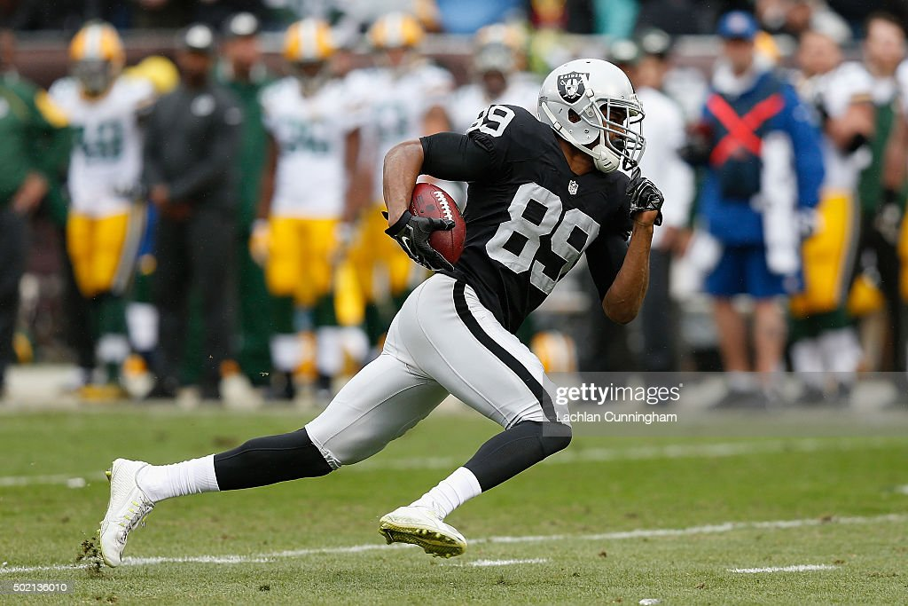 Green Bay Packers v Oakland Raiders : News Photo