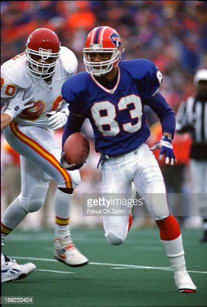 Wide Receiver Andre Reed of the Buffalo Bills carries the ball against the Kansas City Chiefs during the AFC/NFL Conference Championship Playoff...
