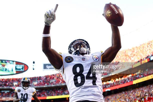 Wide receiver Antonio Brown of the Pittsburgh Steelers celebrates in the end zone after a fourth quarter touchdown against the Kansas City Chiefs at...