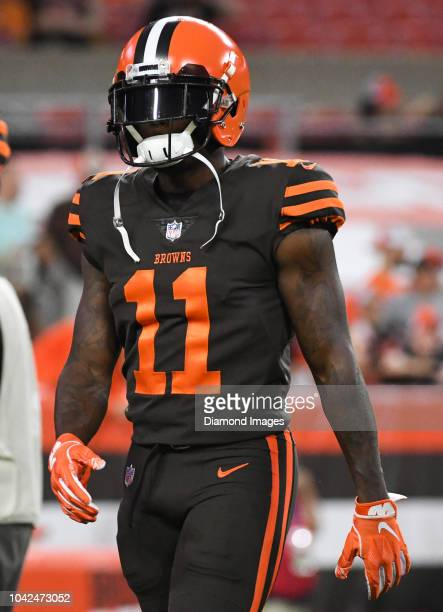 eb3027c61 Wide receiver Antonio Callaway of the Cleveland Browns on the field prior  to a game against