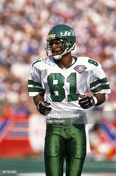 Wide receiver Art Monk of the New York Jets sets before a play during a game on September 4 1994 against the Buffalo Bills at Rich Stadium in Orchard...