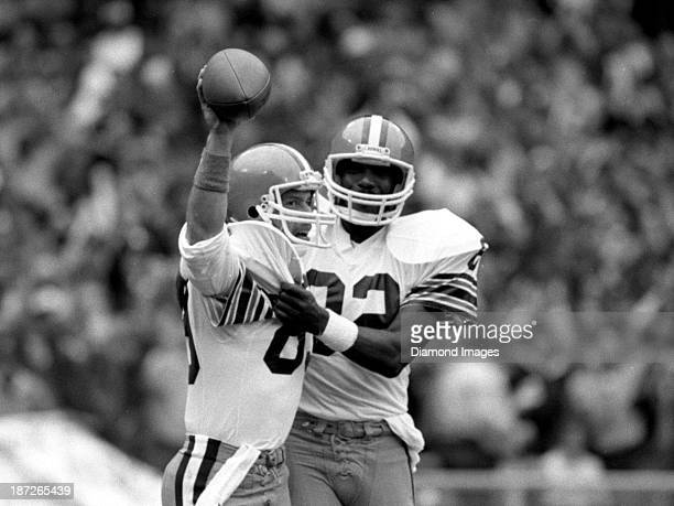 Wide receiver Bobby Jones of the Cleveland Browns celebrates a touchdown with tight end Ozzie Newsome during a game against the New York Jets on...