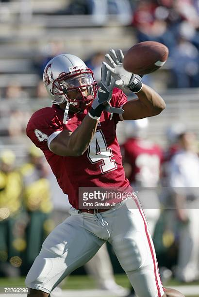 Wide receiver Brandon Gibson of the Washington State Cougars catches a pass during warmups against the Oregon Ducks on October 21 2006 at Martin...