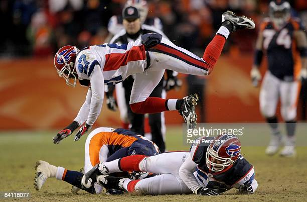 Wide receiver Brandon Stokley of the Denver Broncos makes a first down reception on third down and ten in the Broncos final offensive drive as Keith...
