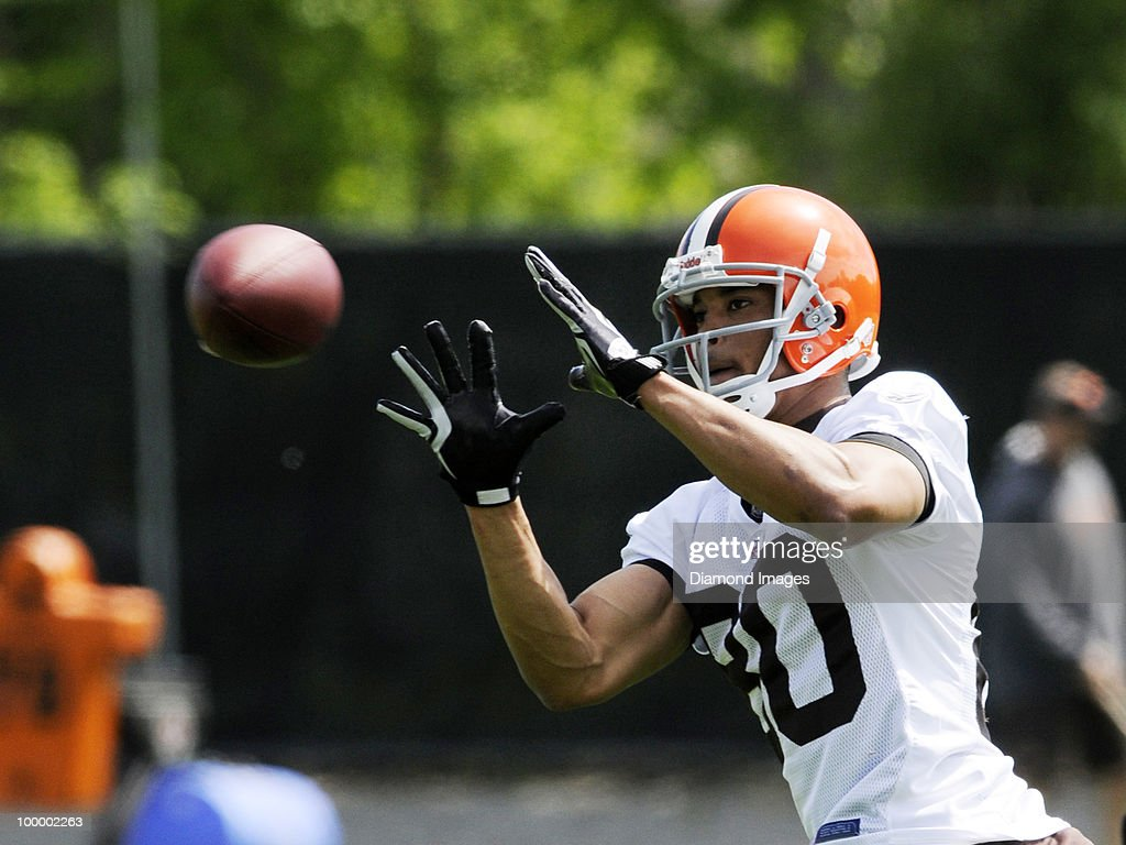 Wide receiver Brian Robiskie #80 of the Cleveland Browns catches a pass during the team's organized team activity (OTA) on May 19, 2010 at the Cleveland Browns practice facility in Berea, Ohio.