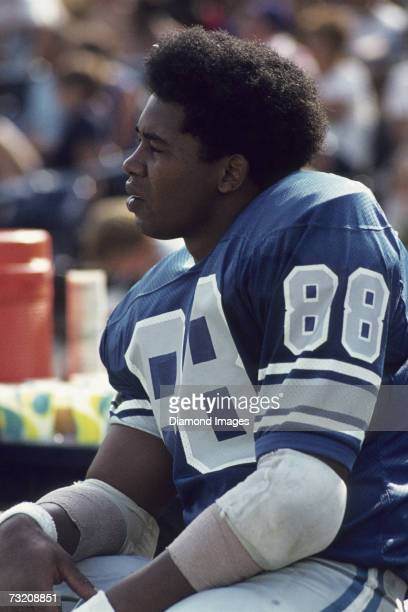 Wide receiver Charlie Sanders of the Detroit Lions on the sidelines during a August 1972 preseason game