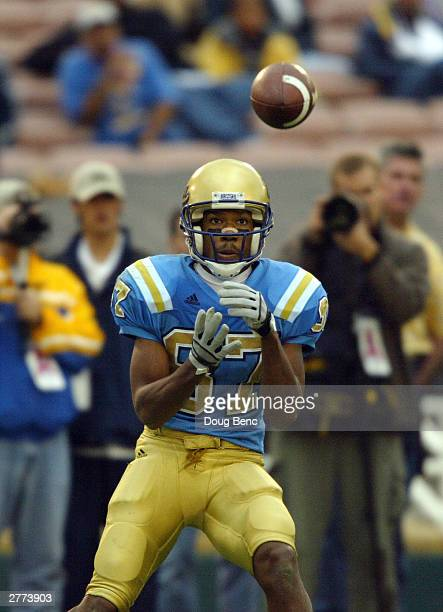 Wide receiver Craig Bragg of the UCLA Bruins waits for the ball during the game against the Oregon Ducks on November 15 2003 at the Rose Bowl in...