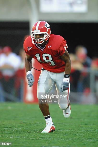 Wide receiver Damien Gary of the Georgia Bulldogs runs down the field during the SEC football game against the Auburn Tigers on November 10 2001 at...