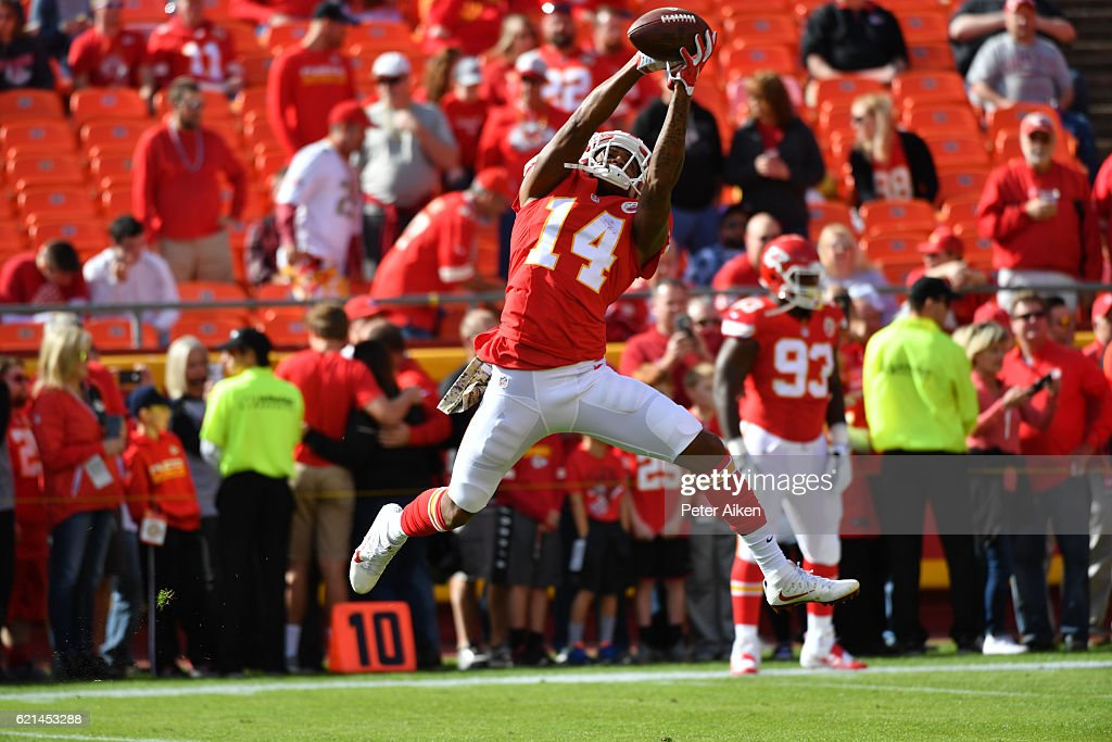 Wide receiver Demarcus Robinson #14 of the Kansas City Chiefs catches a pass during warm ups before the game against the Jacksonville Jaguars at Arrowhead Stadium on November 6, 2016 in Kansas City, Missouri.