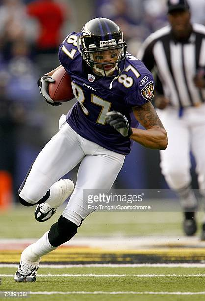 Wide Receiver Demetrius Williams of the Baltimore Ravens runs with the ball against the Cleveland Browns at M&T Bank Stadium on December 17, 2006 in...