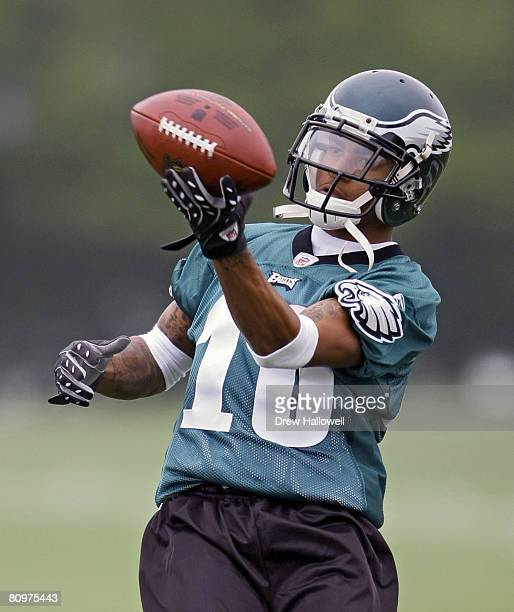 Wide receiver DeSean Jackson of the Philadelphia Eagles makes a one handed catch during minicamp at the NovaCare Complex May 3 2008 in Philadelphia...
